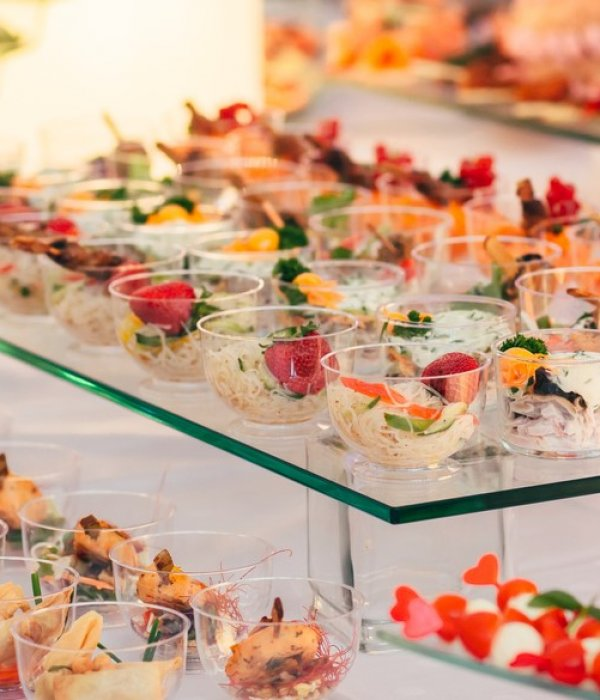 Corporate Private Wedding Food Catering Capanes Stations Dish Catering